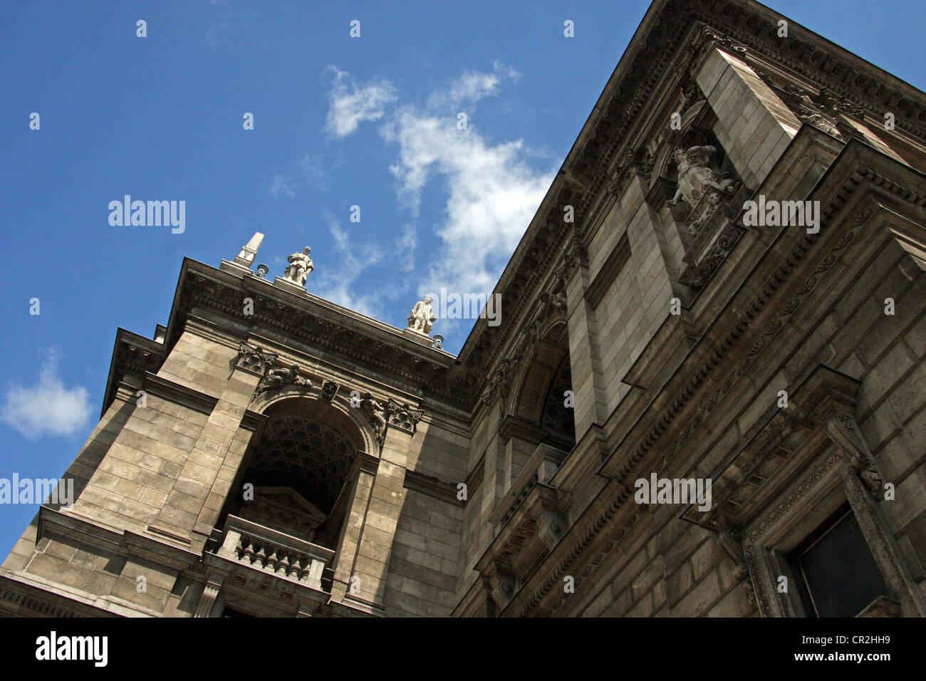 The Hungarian State Opera House (Hungarian: Magyar Állami Operaház) is a neo-Renaissance opera house located - Stock Image
