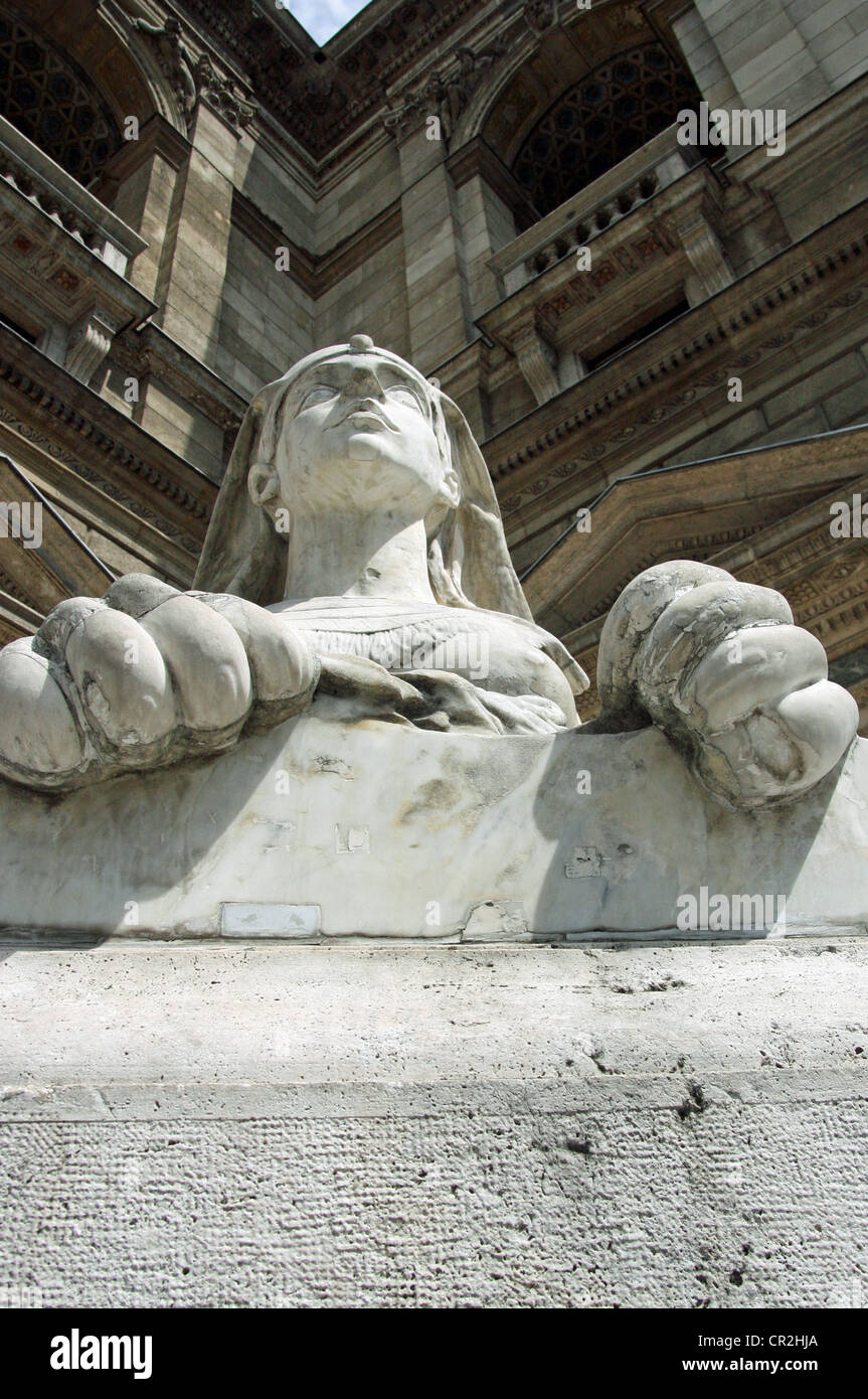 The Sphinx statue outside the Hungarian State Opera House (Hungarian: Magyar Állami Operaház) is a neo - Stock Image