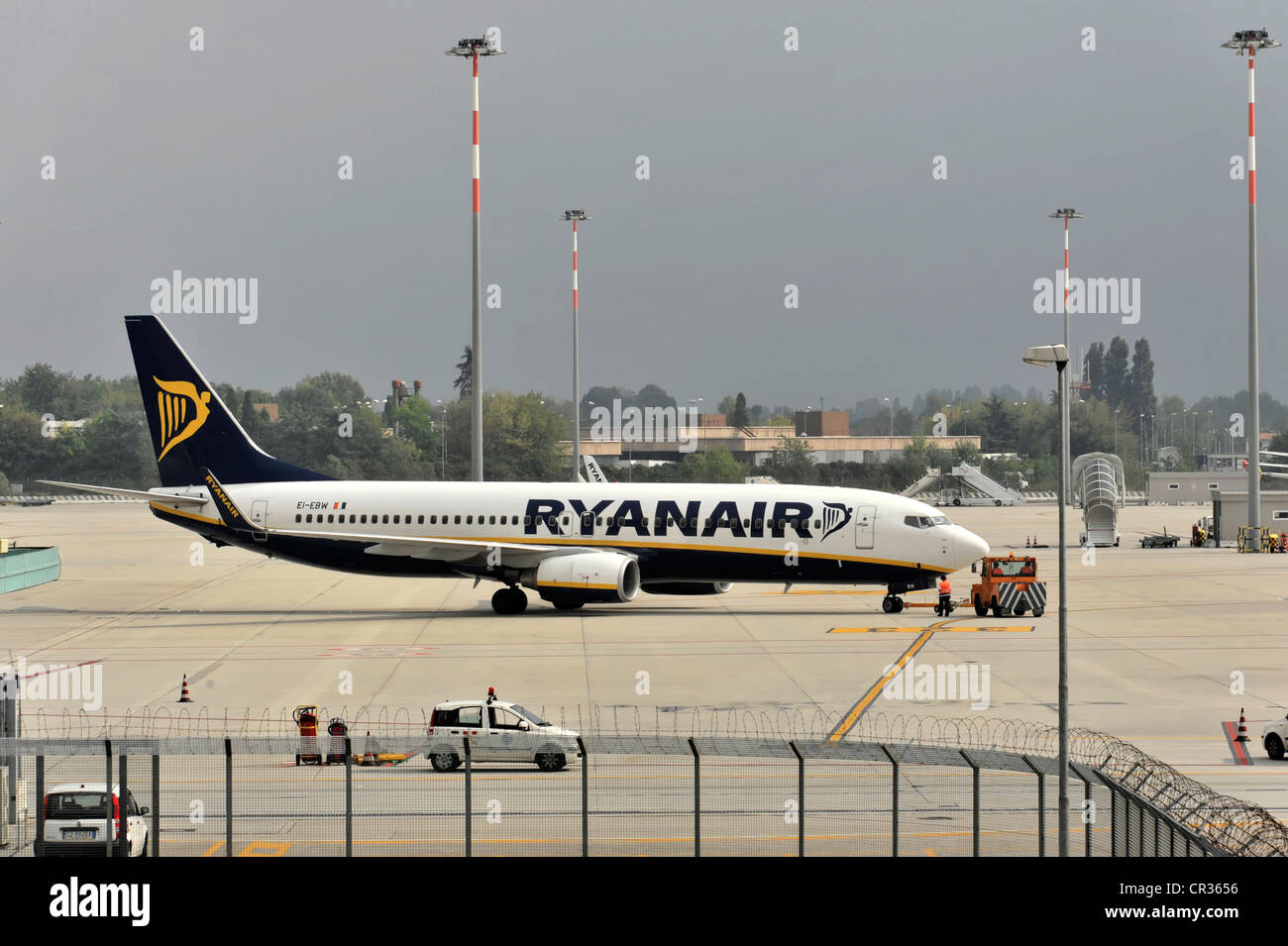 EI-EBW Ryanair Boeing 737-800, before take-off, Venice-Marco Polo Airport, Venice, Veneto, Italy, Europe - Stock Image