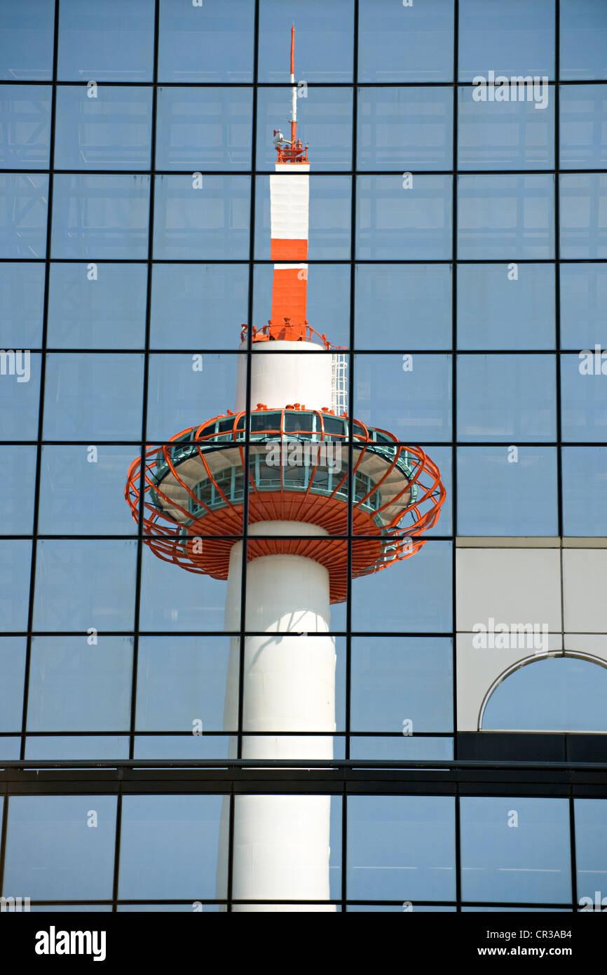 Japan, Honshu Island, Kinki Region, city of Kyoto, Kyoto Tower - Stock Image