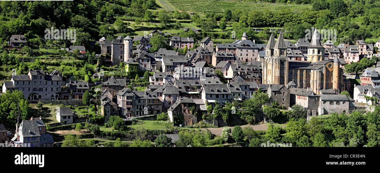 France, Aveyron, Conques, a stop on el Camino de Santiago, labelled Les Plus Beaux Villages de France, St Foy Abbey - Stock Image