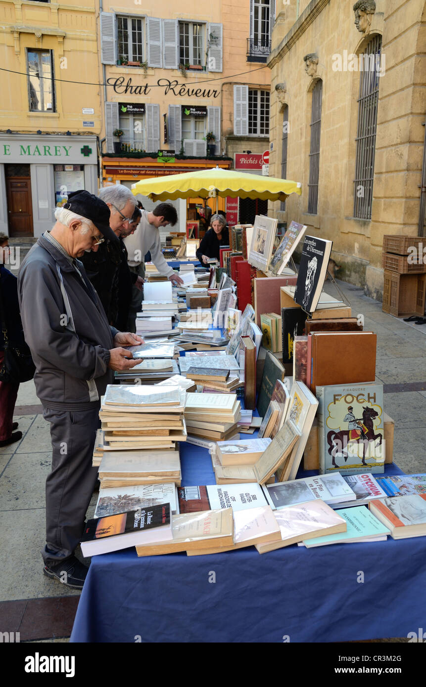 Book Fair or Second-Hand Book Stall Place de la Mairie Aix-en-Provence Provence France - Stock Image