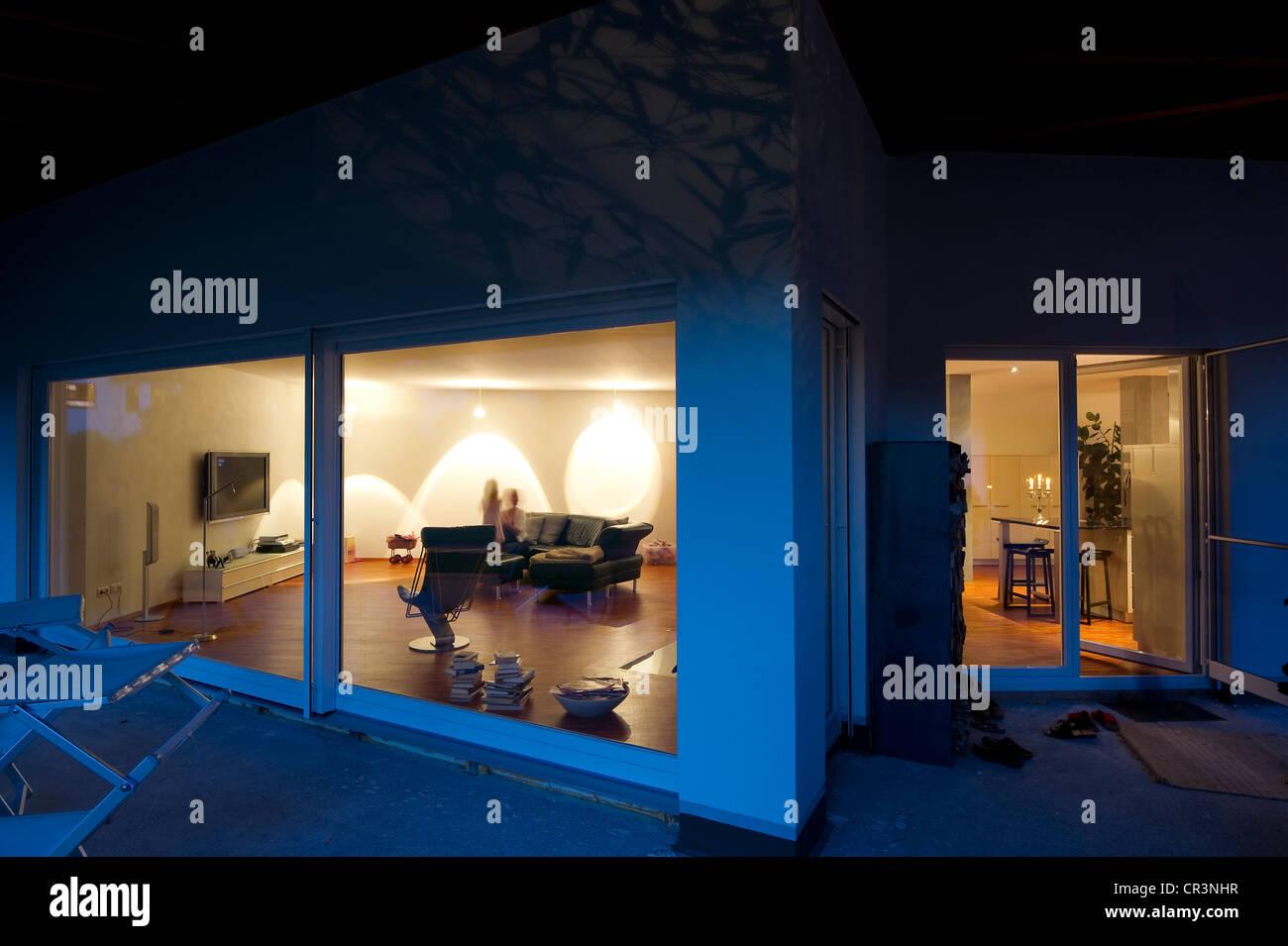 Modern detached house, blue hour, Kaiserstuhl, Baden-Wuerttemberg, Germany, Europe - Stock Image