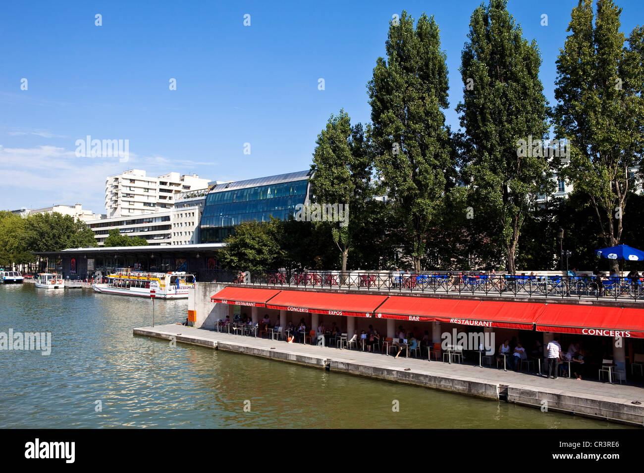 France, Paris, Villette Bassin, Cafe 25 Degree East - Stock Image
