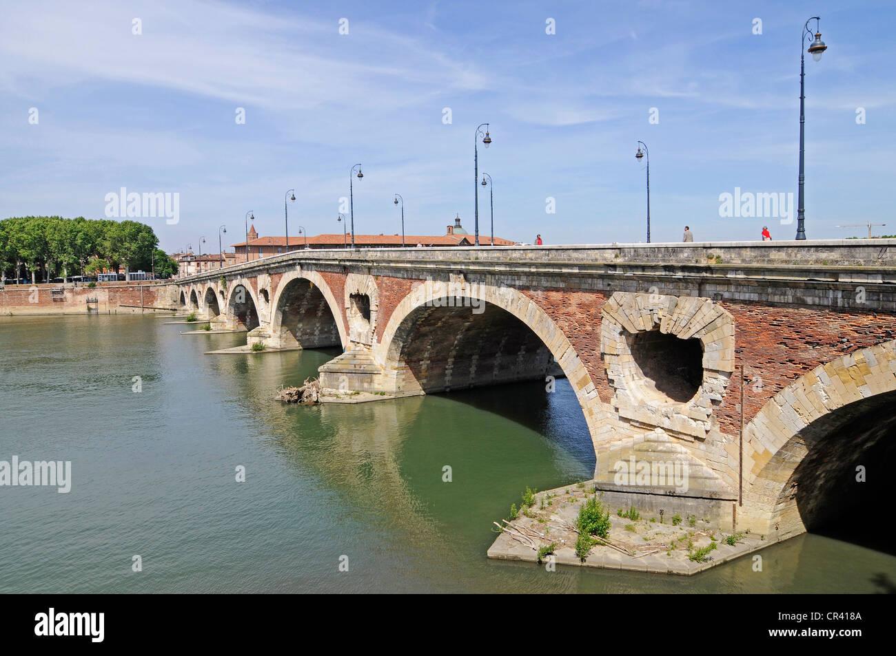 Pont Neuf bridge, river Garonne, Toulouse, Departement Haute-Garonne, Midi-Pyrenees, France, Europe - Stock Image