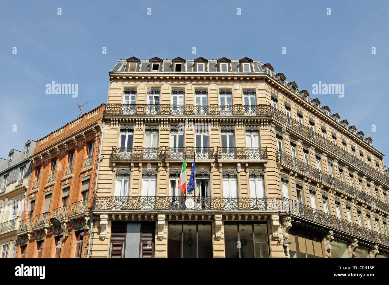 Facade, Toulouse, Departement Haute-Garonne, Midi-Pyrenees, France, Europe - Stock Image