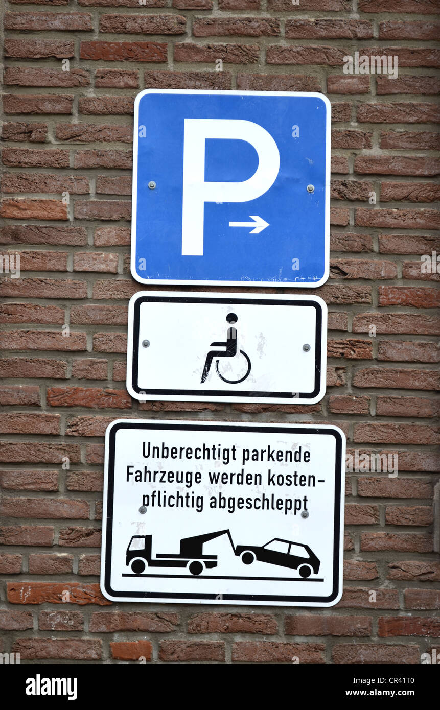 Parking Signs Stock Photos Amp Parking Signs Stock Images