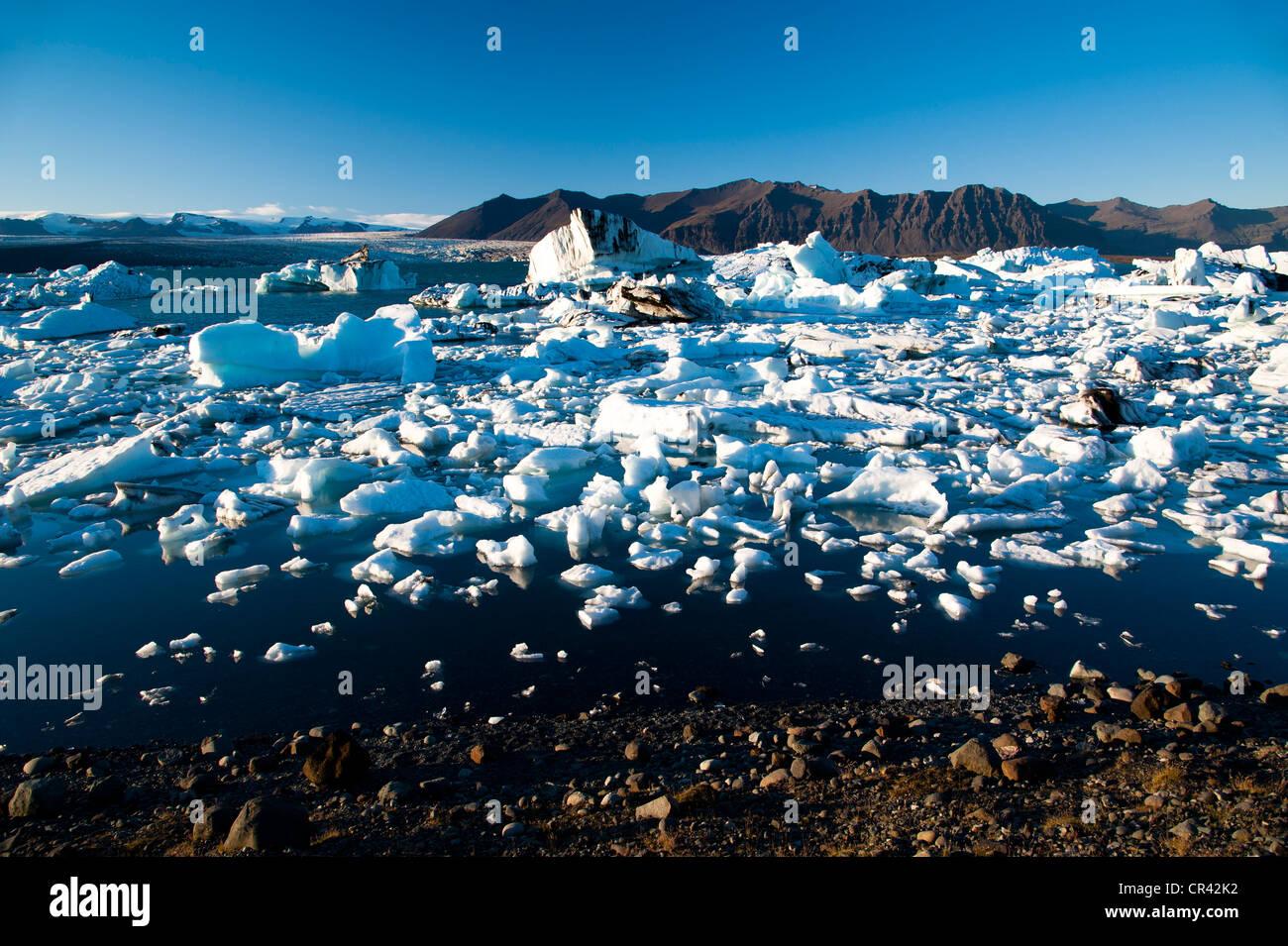 Joekulsárlón glacier lagoon, Vatnajoekull Glacier, Austurland, East Iceland, Iceland, Europe - Stock Image