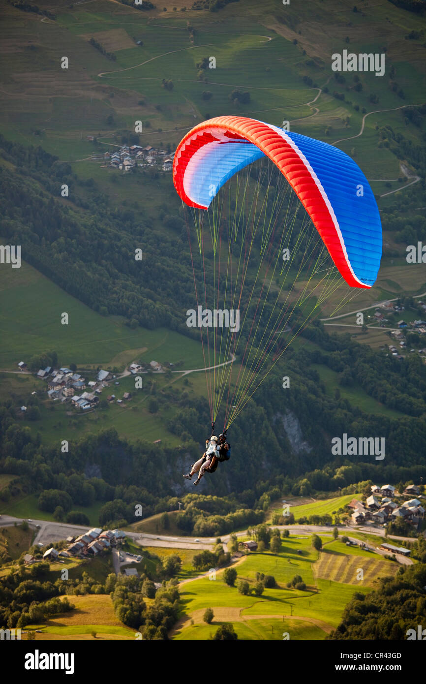 France, Savoie, Valmorel, two-seater paragliding - Stock Image