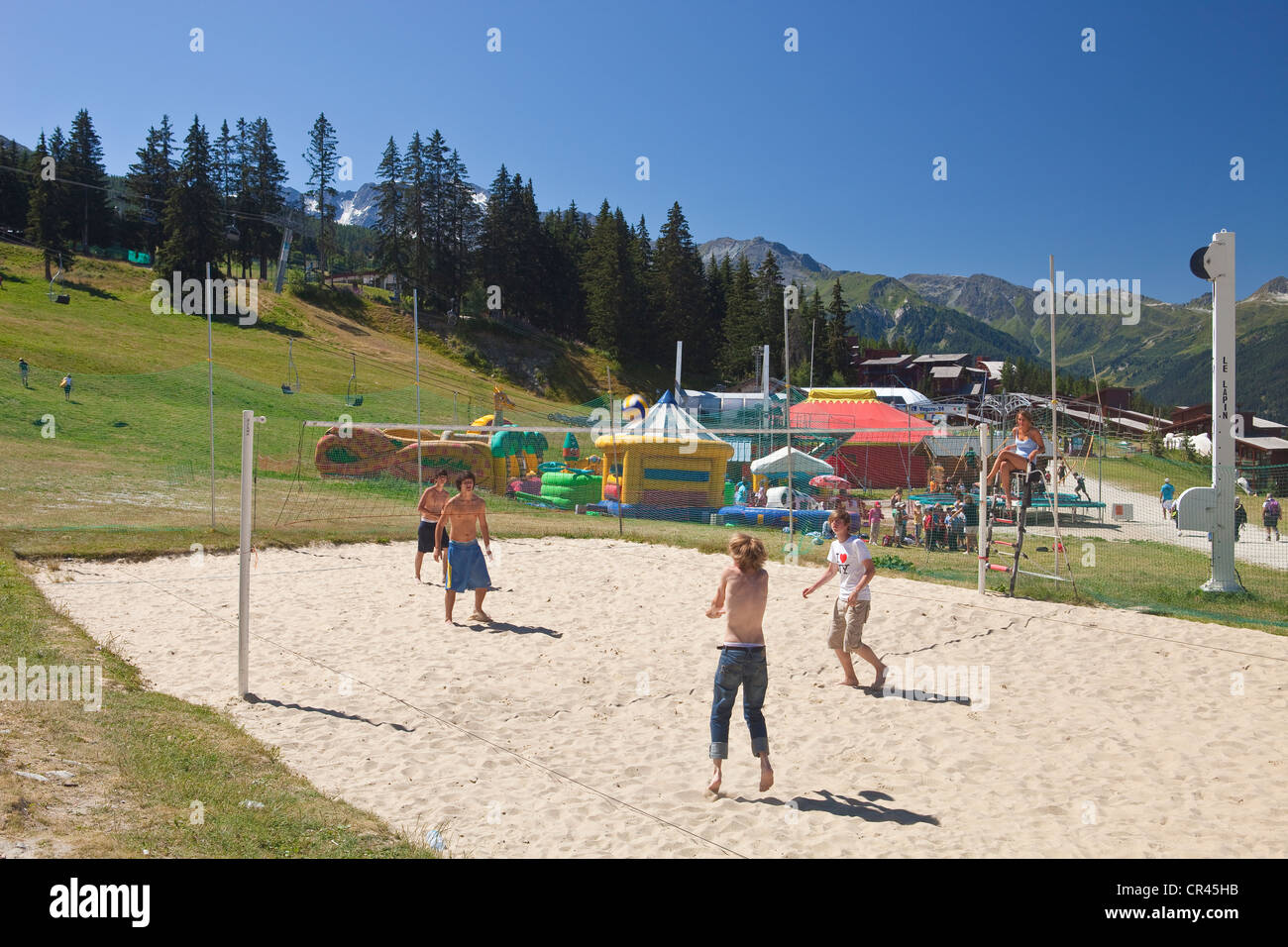 France, Savoie, Les Arcs 1800, Volleyball match - Stock Image