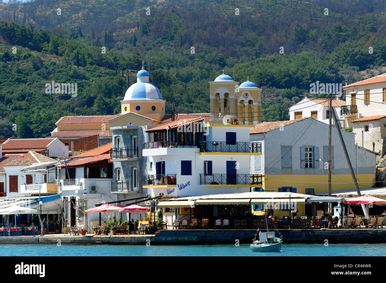 Harbour of Kokkari, with the church of Agios Nikolaos, Samos island, southern Sporades, Aegean sea, Greece, Europe - Stock Image