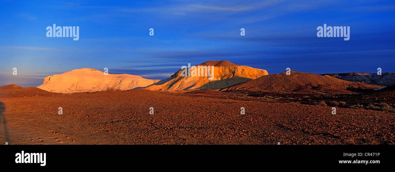 Australia, South Australia, Coober Pedy, the Breakaways, Moon Plain Valley - Stock Image
