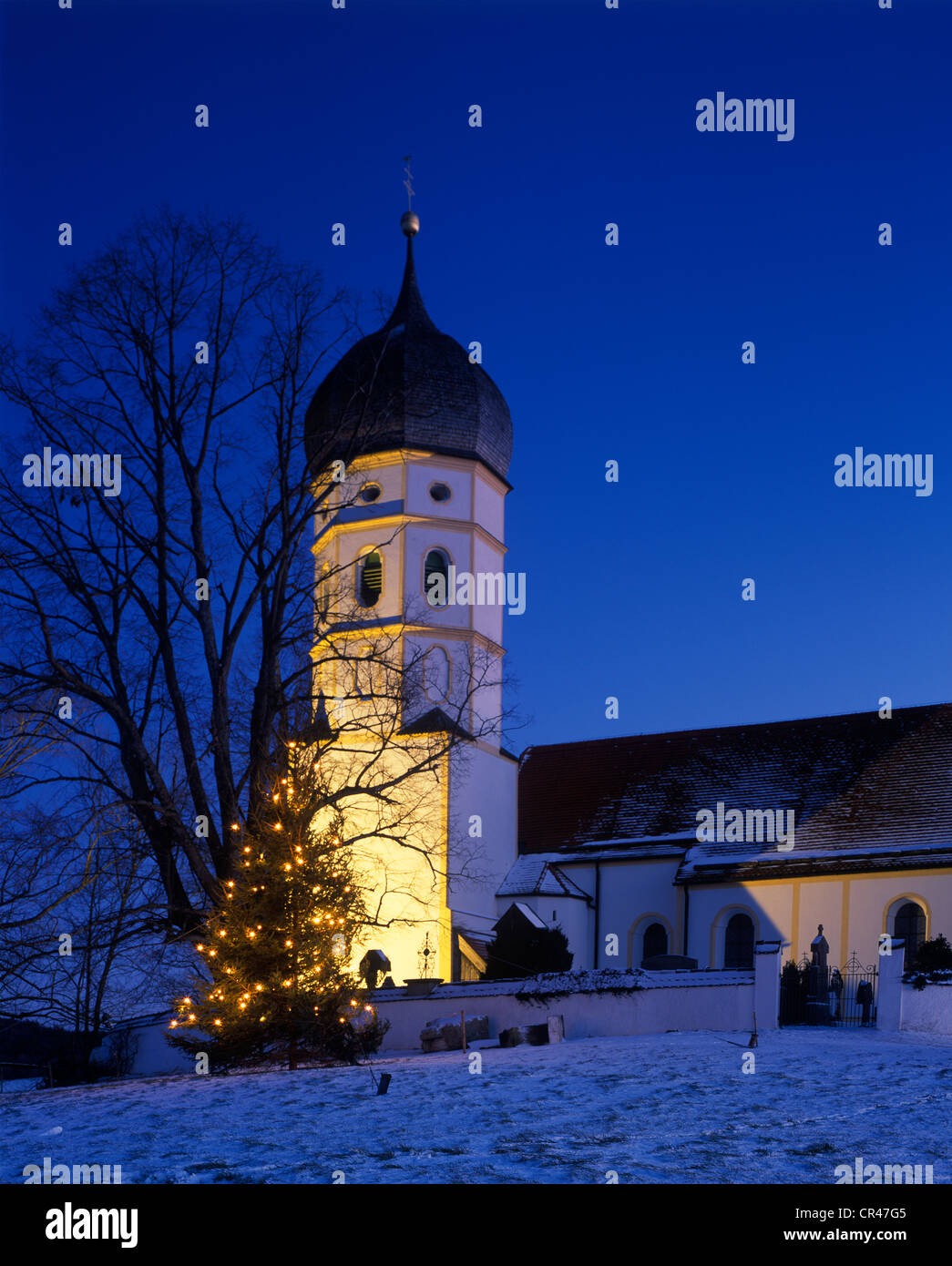 Chapel of Ease of St. John the Baptist and St. George, Holzhausen, Muensing, Upper Bavaria, Germany, Europe - Stock Image