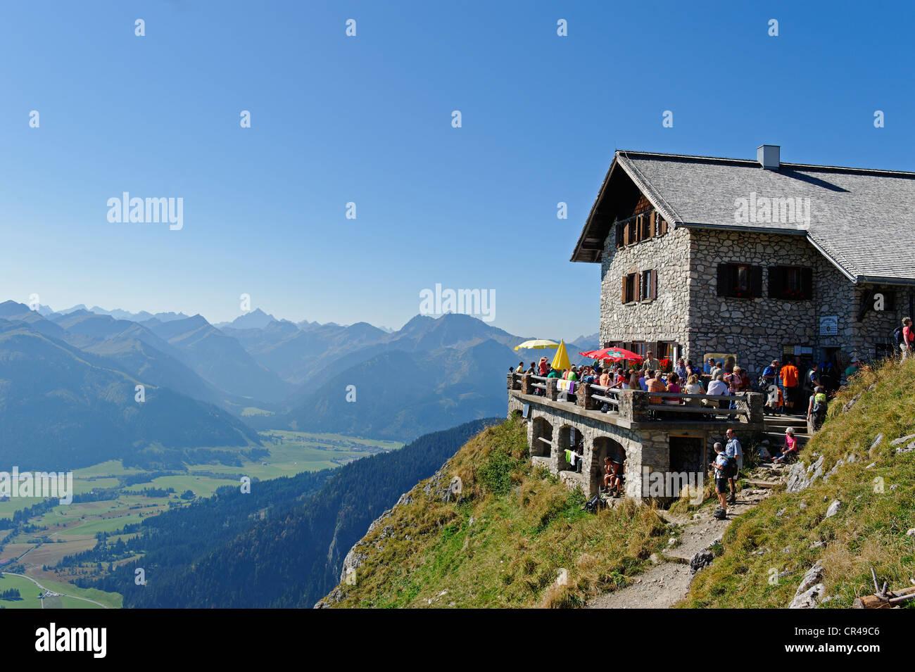 Bad Kissinger Huette mountain lodge on Mt. Aggenstein, Bavarian Swabia, Bavaria, Germany, Europe - Stock Image