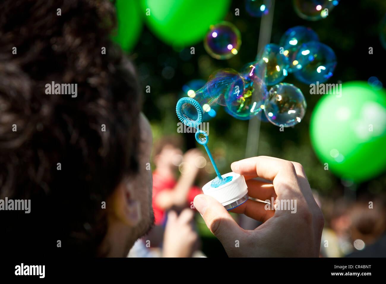 Park festivities at Parc Monceau, Paris, France, Europe - Stock Image