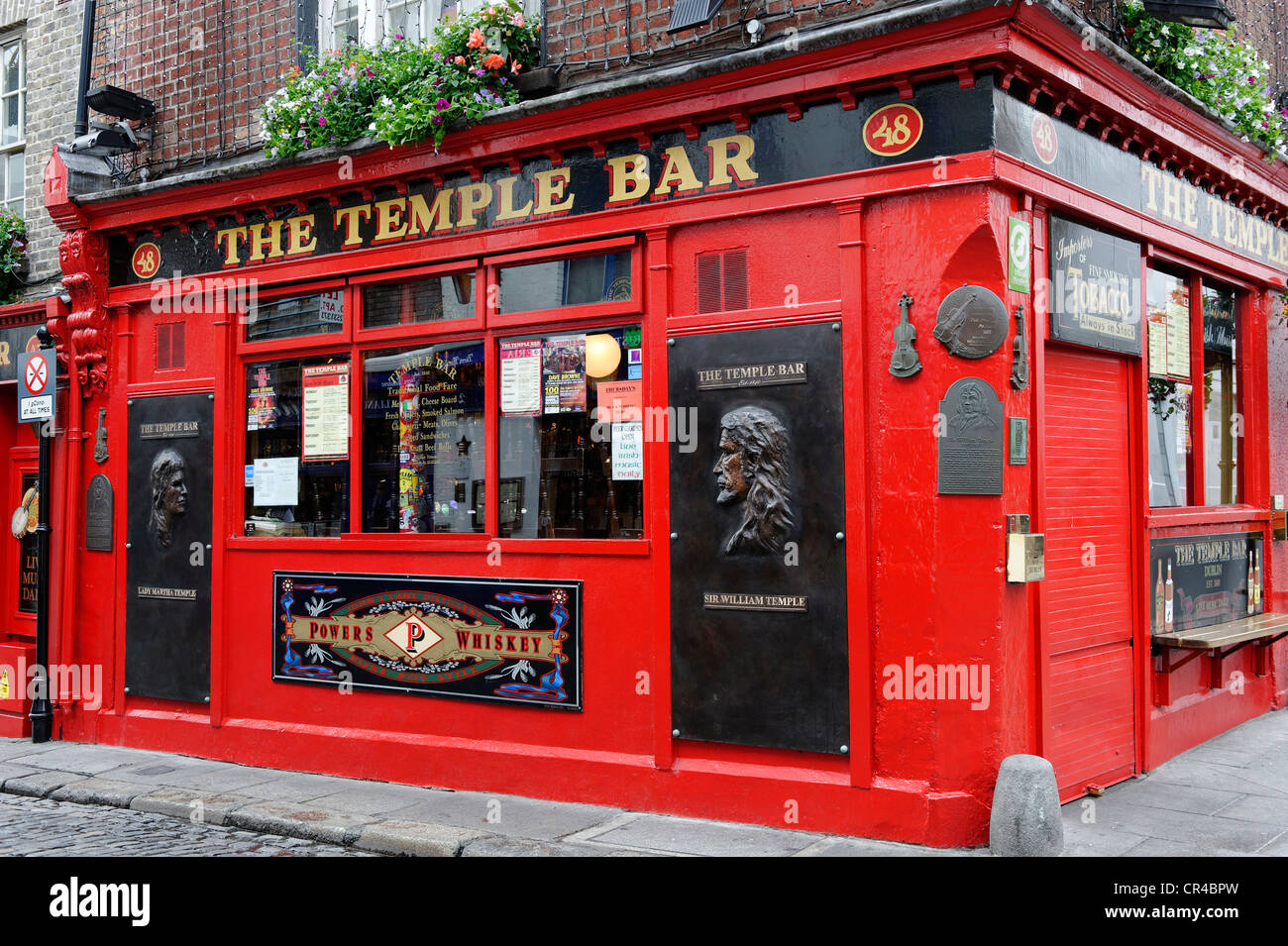 The Temple Bar, Crown Alley, Dublin, Republic of Ireland, Europe - Stock Image