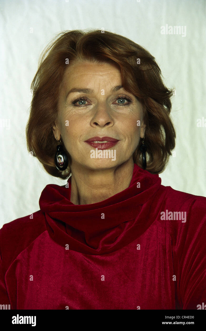 Berger, Senta, * 13.5.1941, Austrian actress, portrait, 1998, , Stock Photo