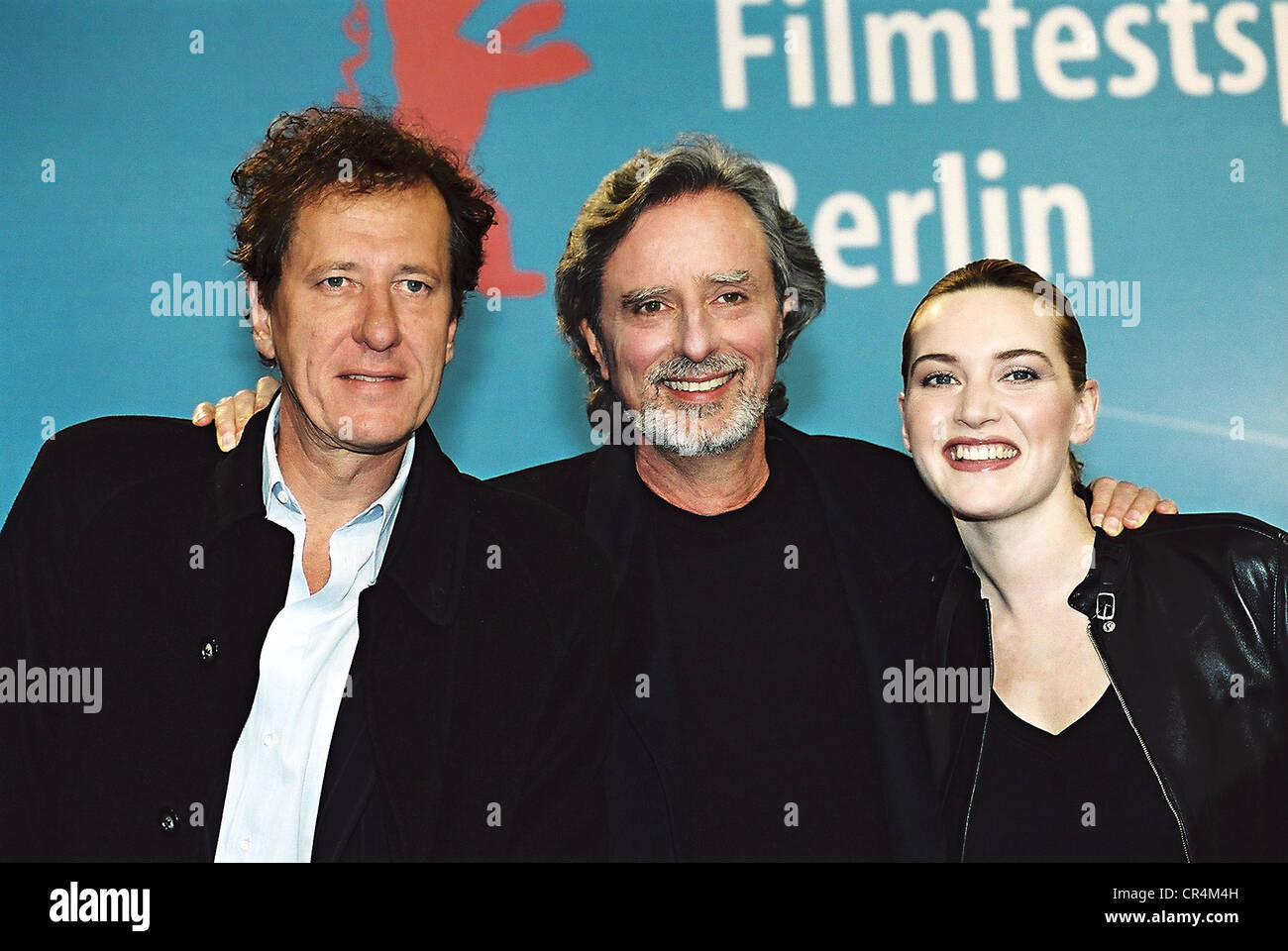 Winslet, Kate, * 5.10.1975, British actress, group picture. with Philip Kaufmann, US director, and Geoffrey Rush, - Stock Image