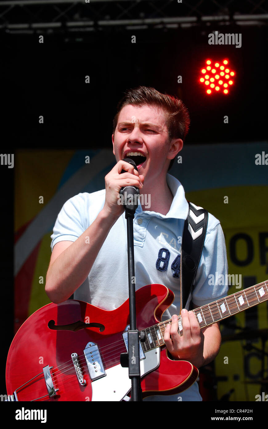 Lead singer of boy band Flash Fires performing at Alresford Music Festival, Alresford, Hampshire, UK. 9 June 2012. - Stock Image