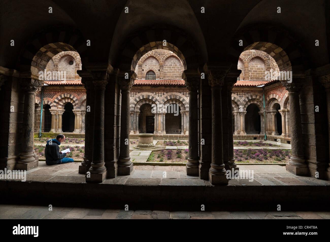 France Haute Loire Le Puy en Velay stop on el Camino de Santiago cloister of 11th 12th century Notre Dame de l'Annonciation Stock Photo