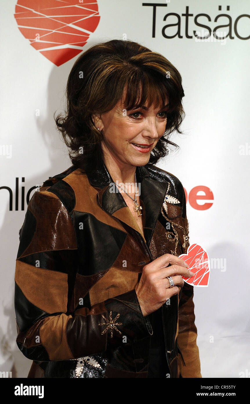 Schürmann, Petra, 15.9.1935 - 13.1.2010, German actress and TV presenter, half length, during Germany premiere - Stock Image
