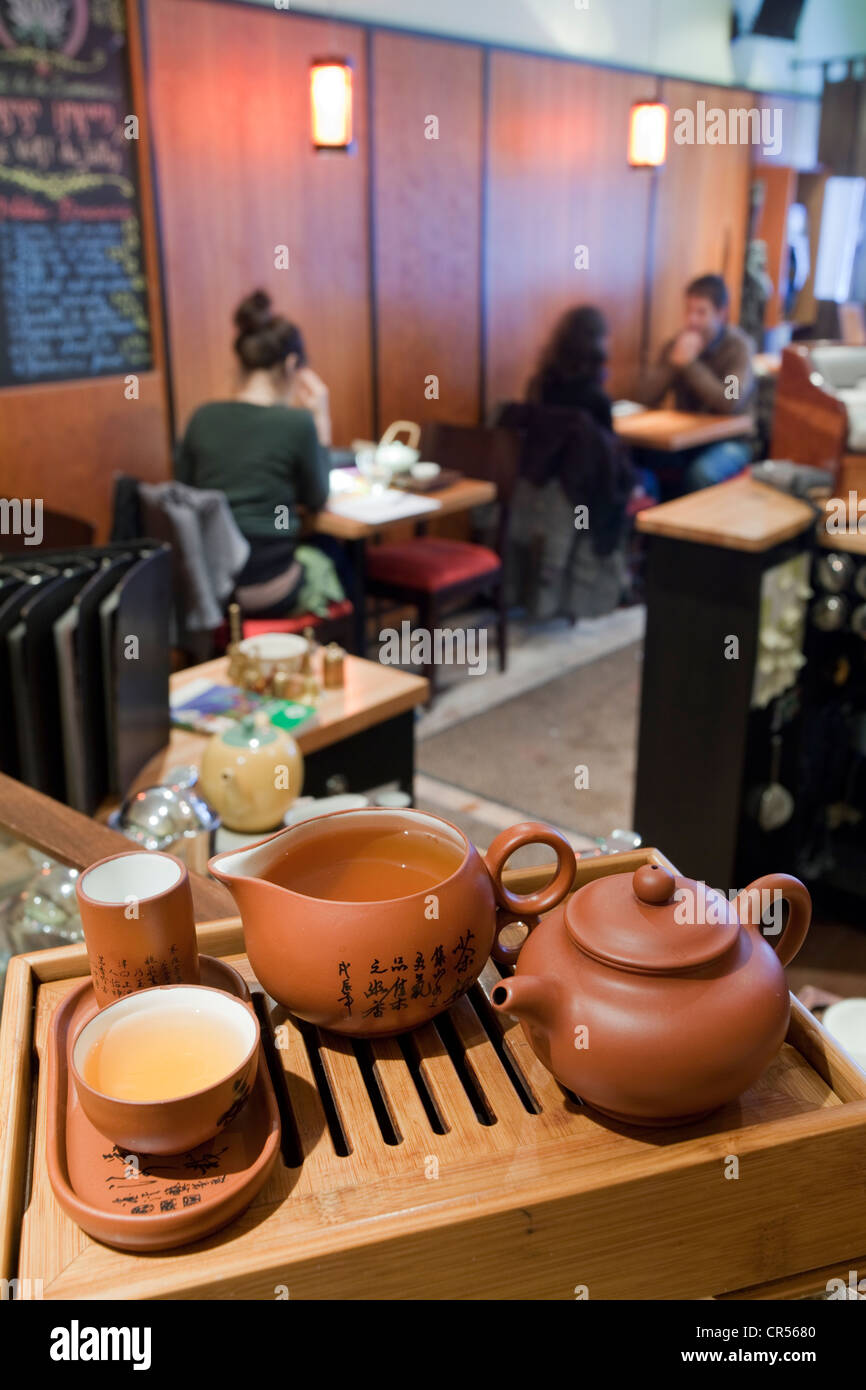 Canada, Quebec Province, Montreal, downtown, Rue Emery, Camellia Sinensis Tea Room, earthenware tea set - Stock Image