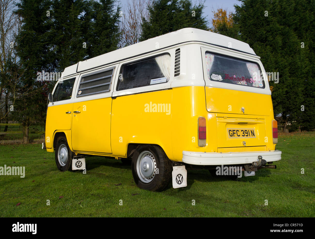Bay WIndow VW Volkswagen camper van, micro bus - Stock Image