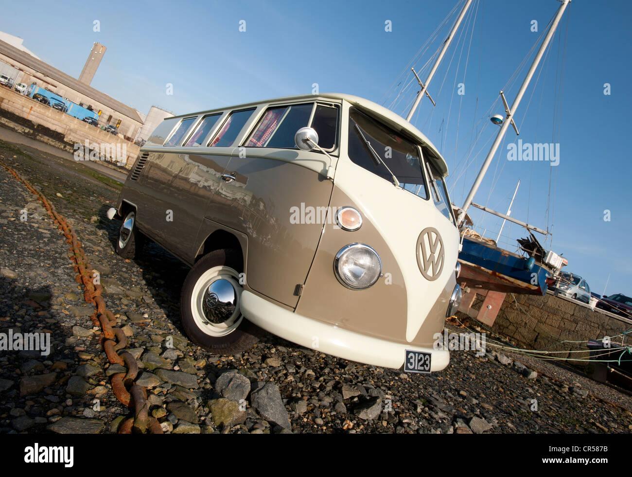 Split screen VW camper van, classic vehicle - Stock Image