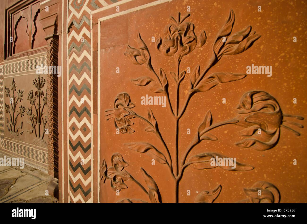Stone carvings and gemstone inlays, Taj Mahal, UNESCO World Heritage Site, Agra, Uttar Pradesh, India, Asia - Stock Image