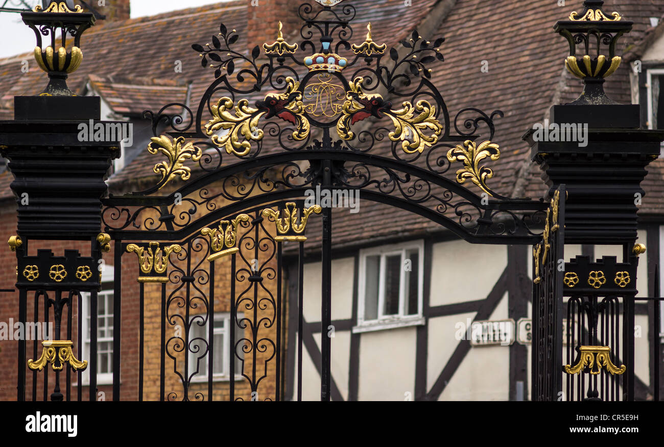 ornate wrought iron gate tall spiked iron ornate wrought iron gates of tewkesbury abbey gloucestershire england gloucestershire stock