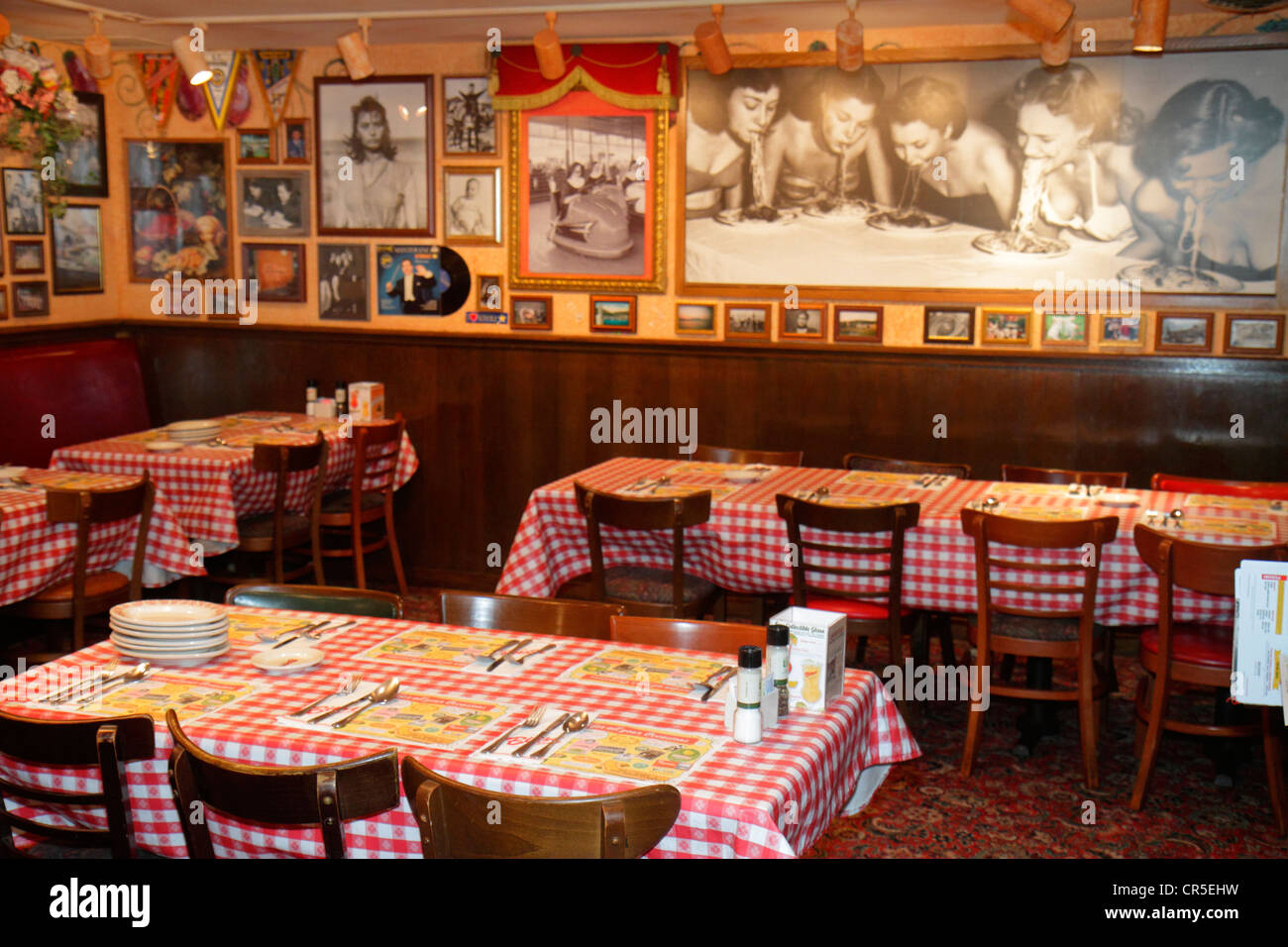 Fort lauderdale ft florida plantation buca di beppo for Italian cafe interior design ideas