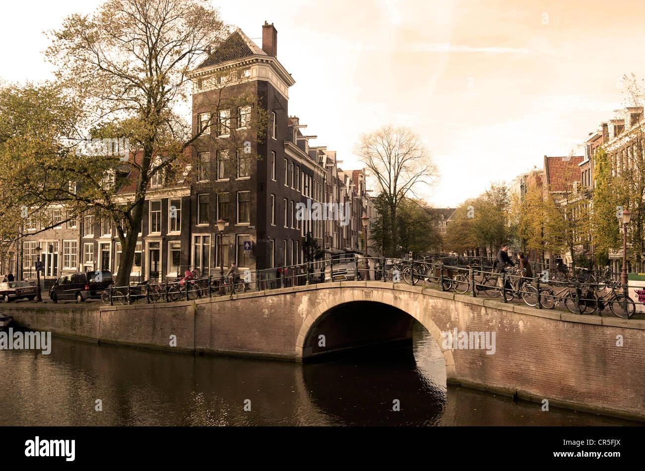 Netherlands, Amsterdam, bridge over Prinsengracht canal - Stock Image