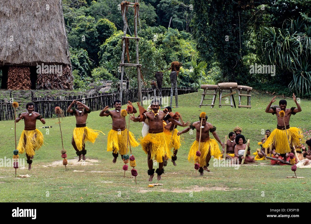 Fiji Meke Dance Stock Photos & Fiji Meke Dance Stock Images - Alamy