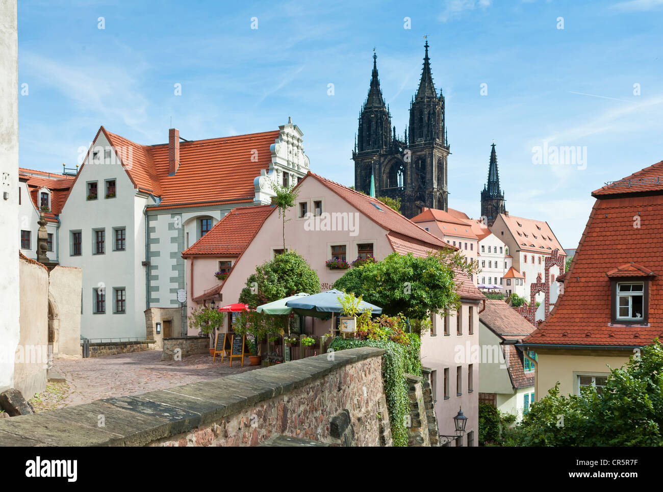 View of Albrechtsburg castle with spires, 'Rote Stufen' staircase into the old town of Meissen, Saxony, - Stock Image