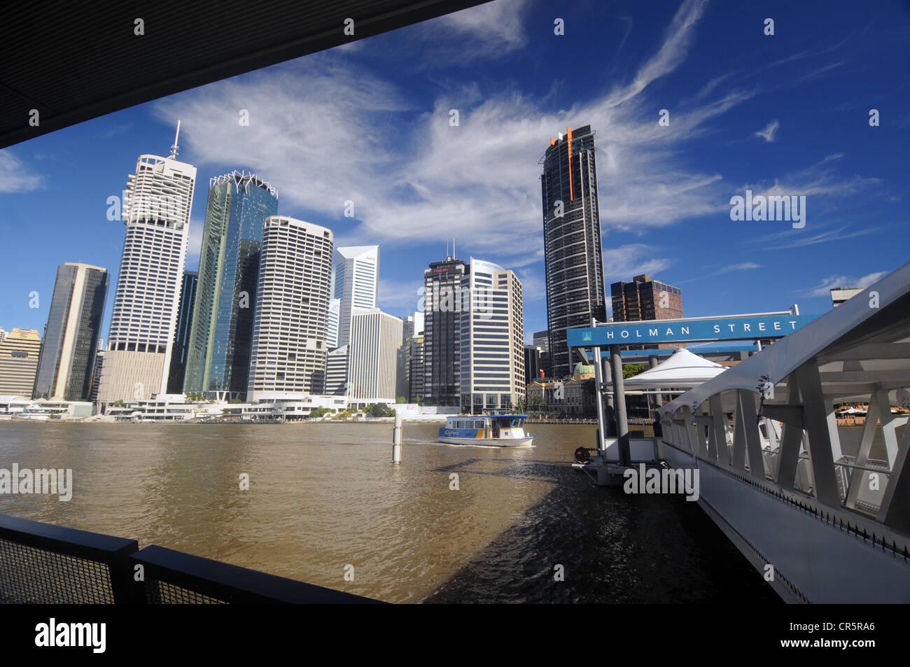 City ferry arriving at Holman Street station, Brisbane, Queensland, Australia. No PR - Stock Image
