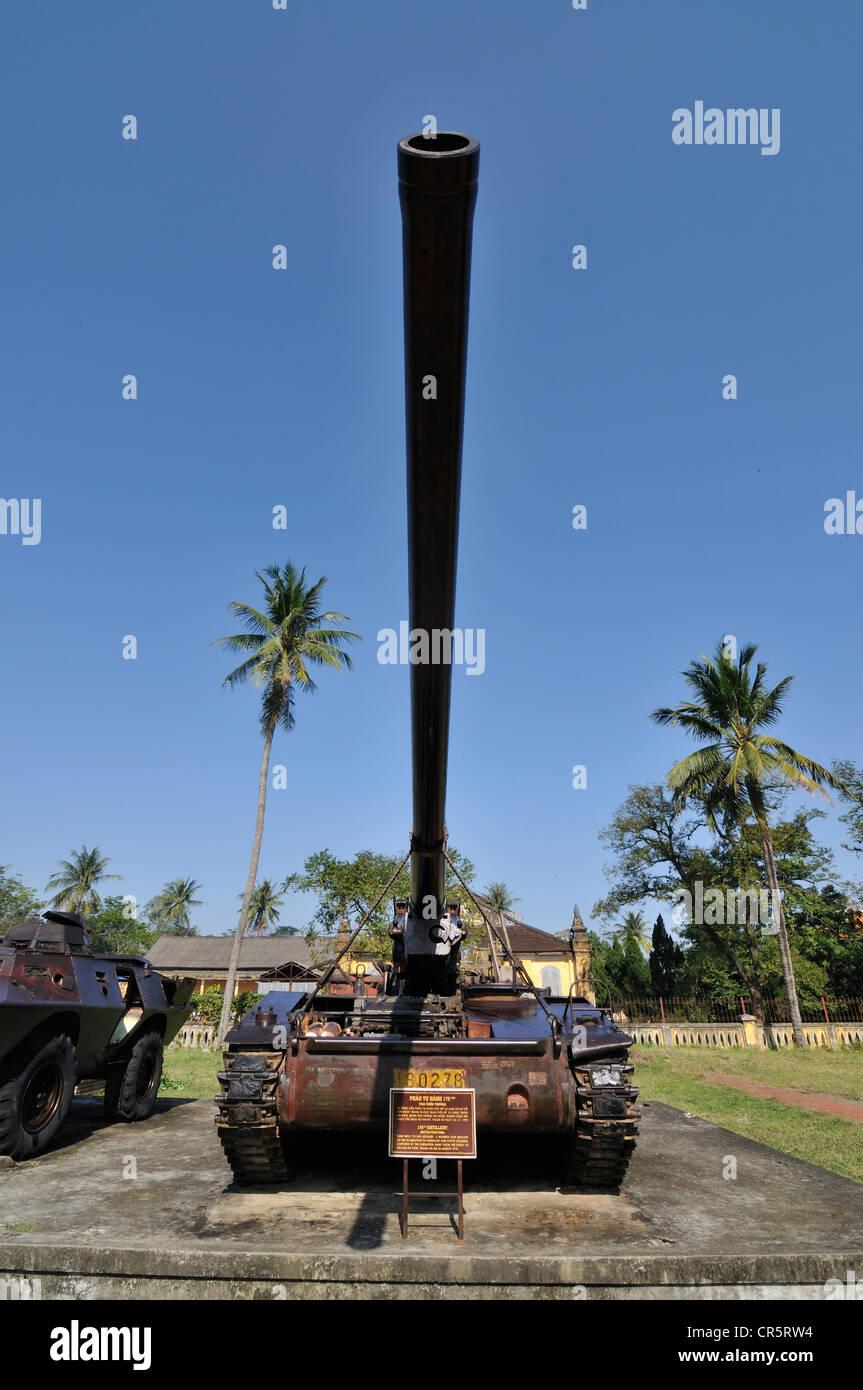 Tank from the Vietnam War, Battle Field King, 175mm artillery of the Vietnamese liberation army, Hue, Vietnam, Asia - Stock Image