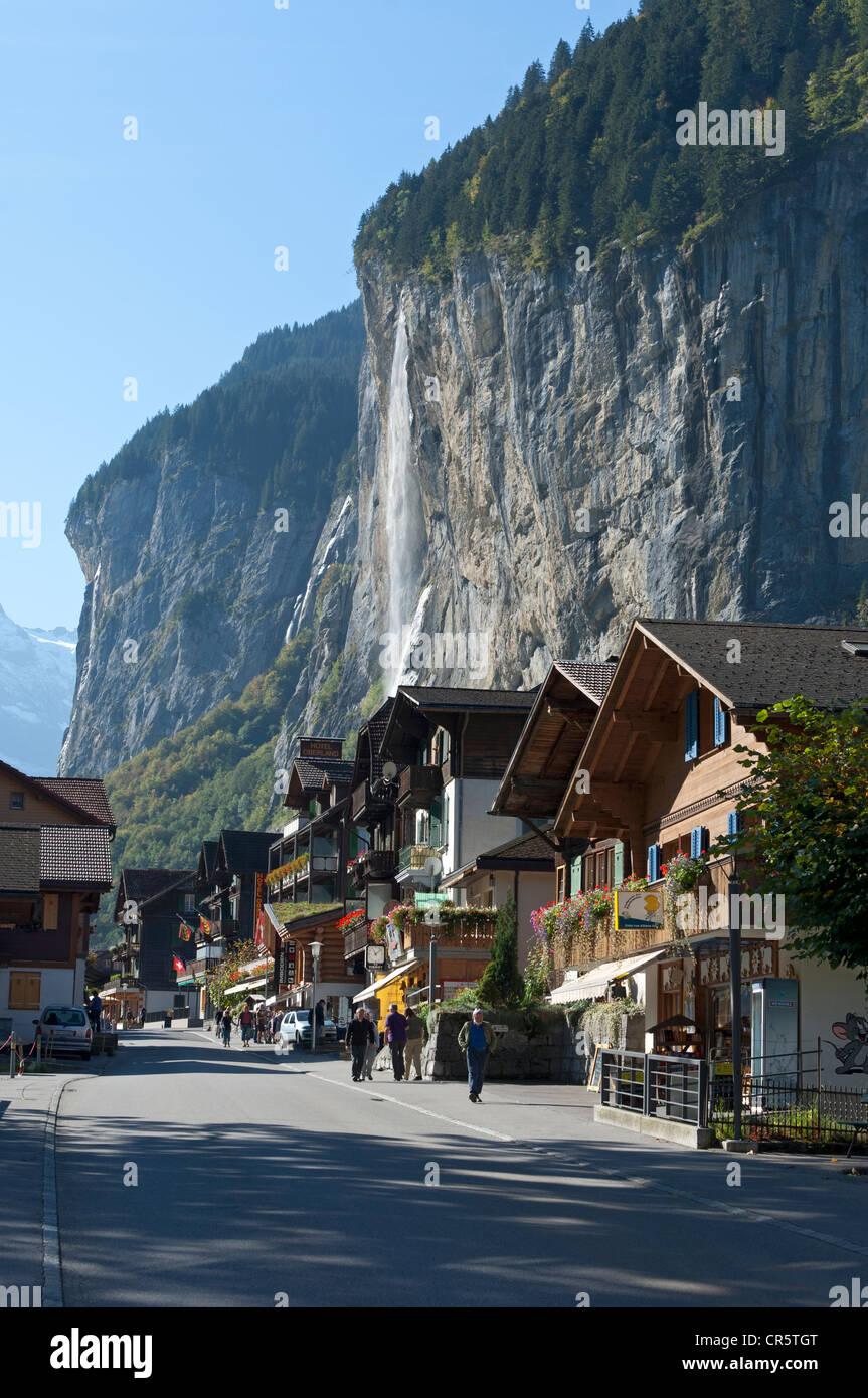 Lauterbrunnen with the Staubach Falls, Lauterbrunnental valley, Bernese Oberland, Switzerland, Europe - Stock Image