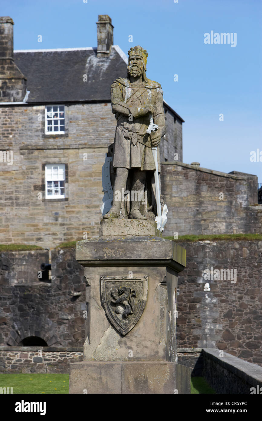 robert the bruce statue outside stirling castle scotland uk - Stock Image