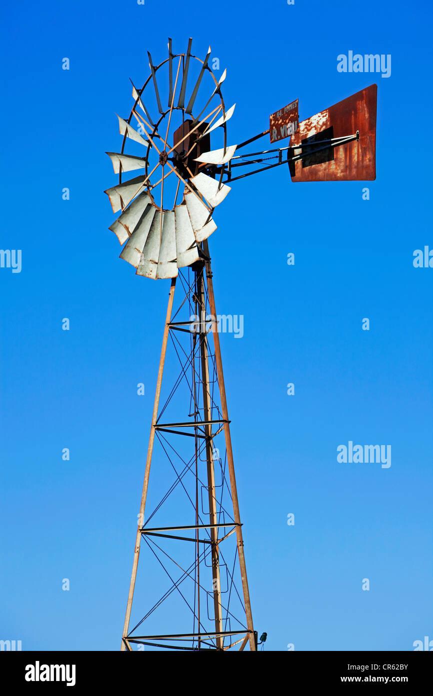 France, Vaucluse, Luberon, near Goult, wind turbine - Stock Image