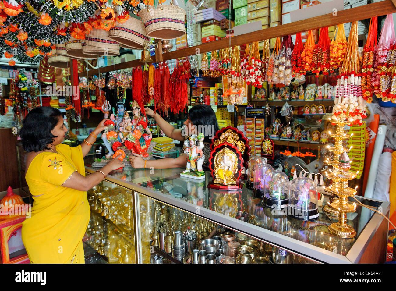 Mauritius, Pamplemousses District, Triolet, longest village of the island, Hindu religious items shop - Stock Image