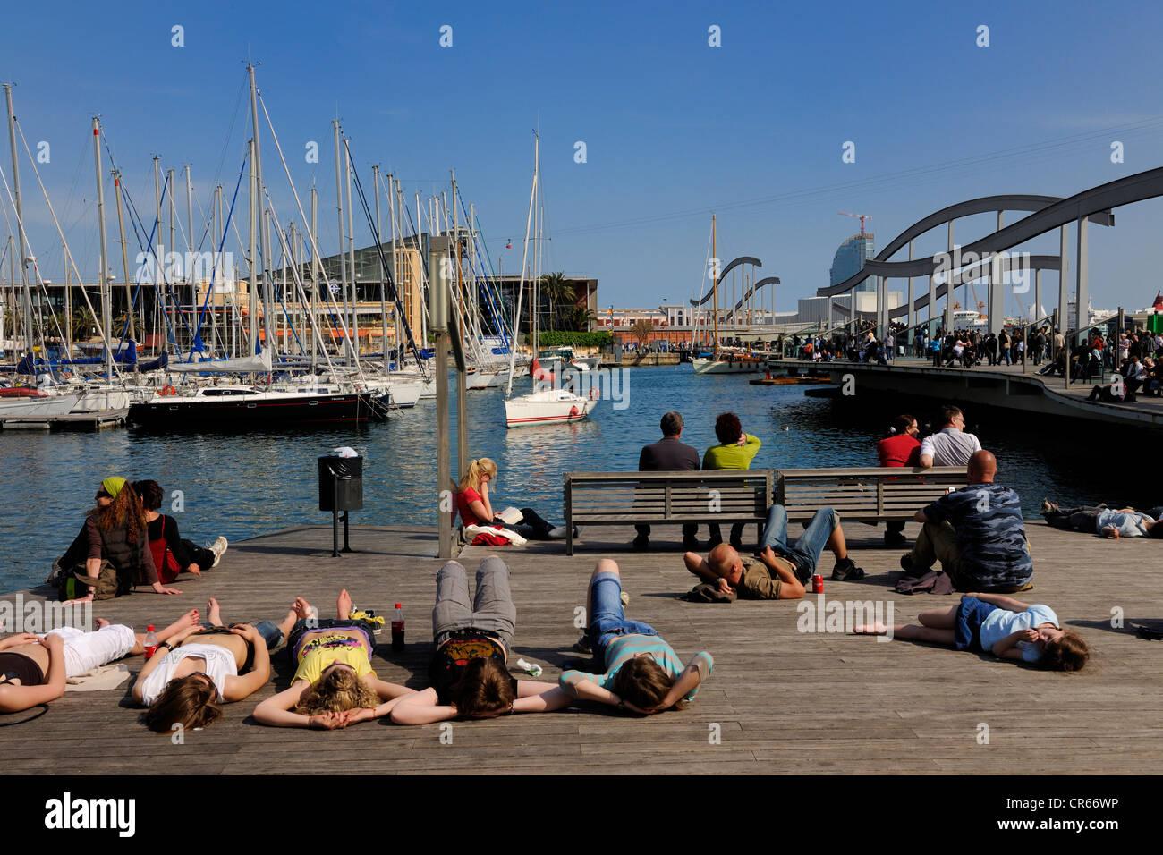 Spain, Catalonia, Barcelona, Port Vell (Vieux Port), facing the Maremagnum - Stock Image