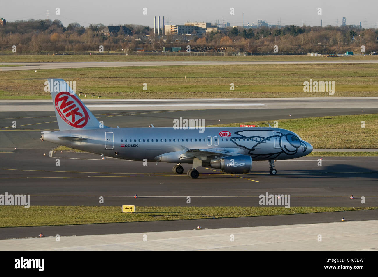 Fly Niki passenger plane, Airbus A 319-112 OE-LEK on the runway of Duesseldorf International Airport, North Rhine - Stock Image