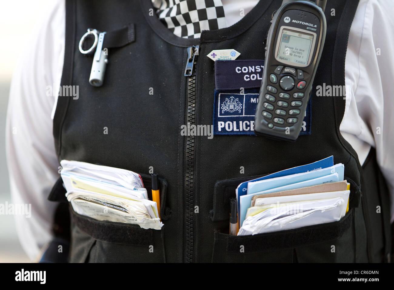 Woman Police Constable, Metropolitan Police, London, England, UK - Stock Image