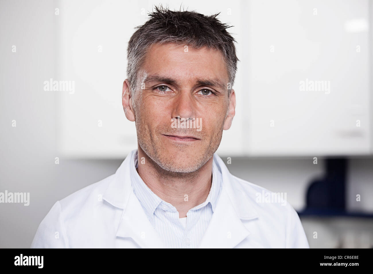 Germany, Bavaria, Munich, Scientist in laboratory, portrait - Stock Image