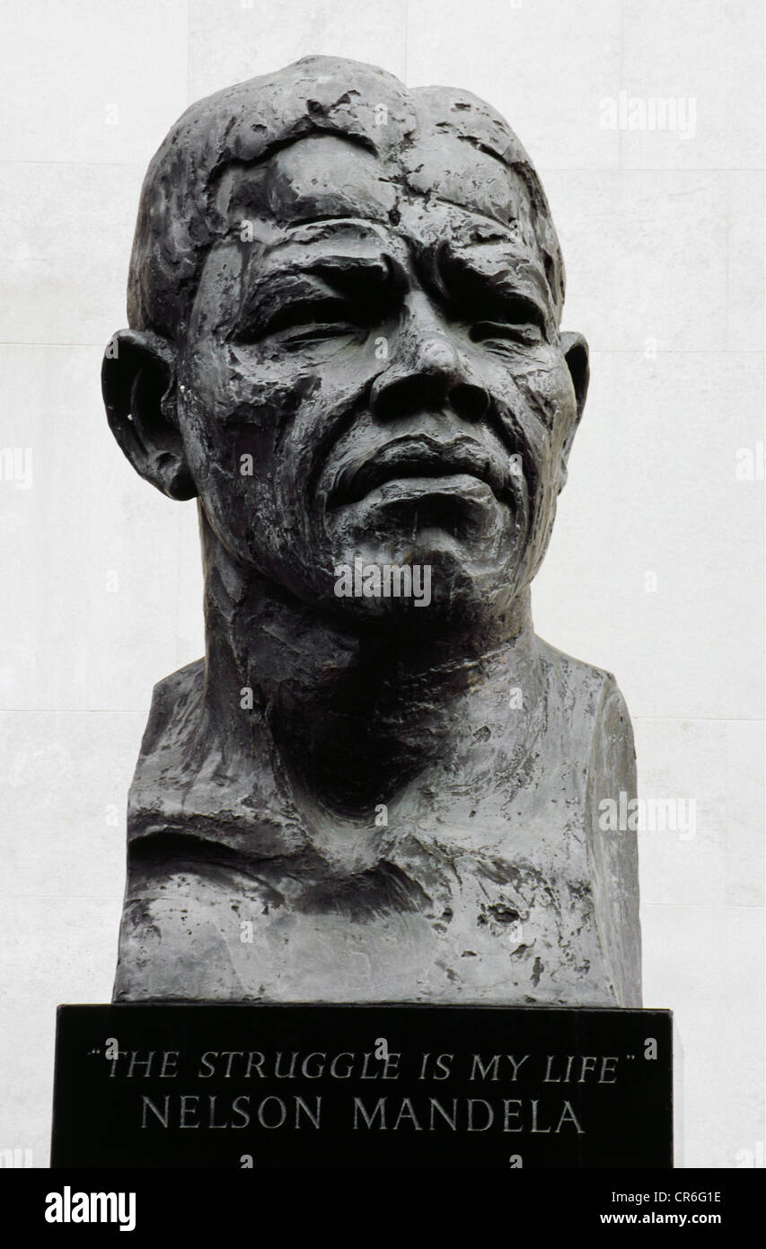 Mandela, Nelson, 18.7.1918 - 5.12.2013, South African politician (ANC), portrait, stone bust, London, Additional - Stock Image