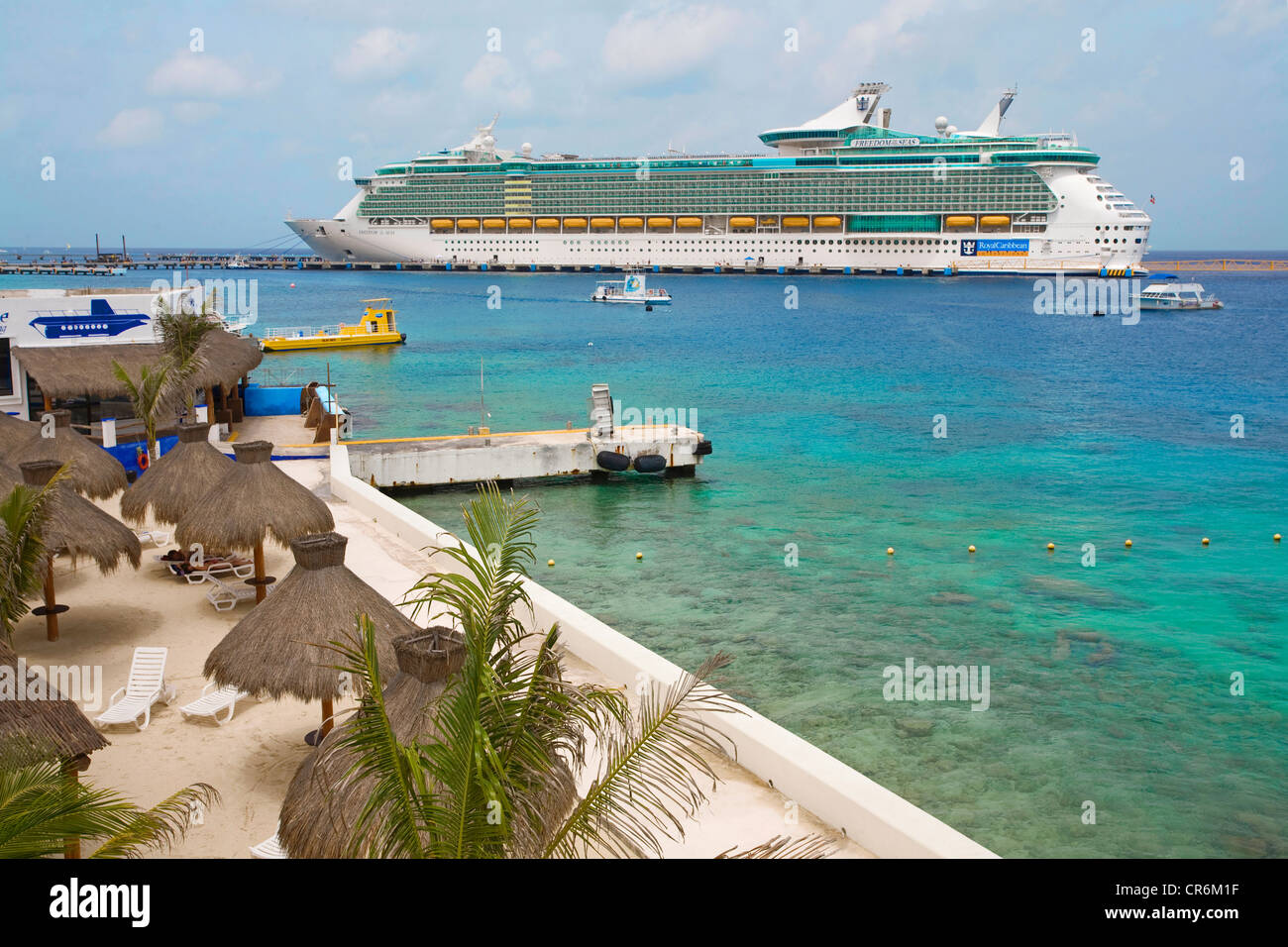 Freedom of the Seas, a cruise ship, small beach, San Miguel, Cozumel, Mexico, Caribbean - Stock Image