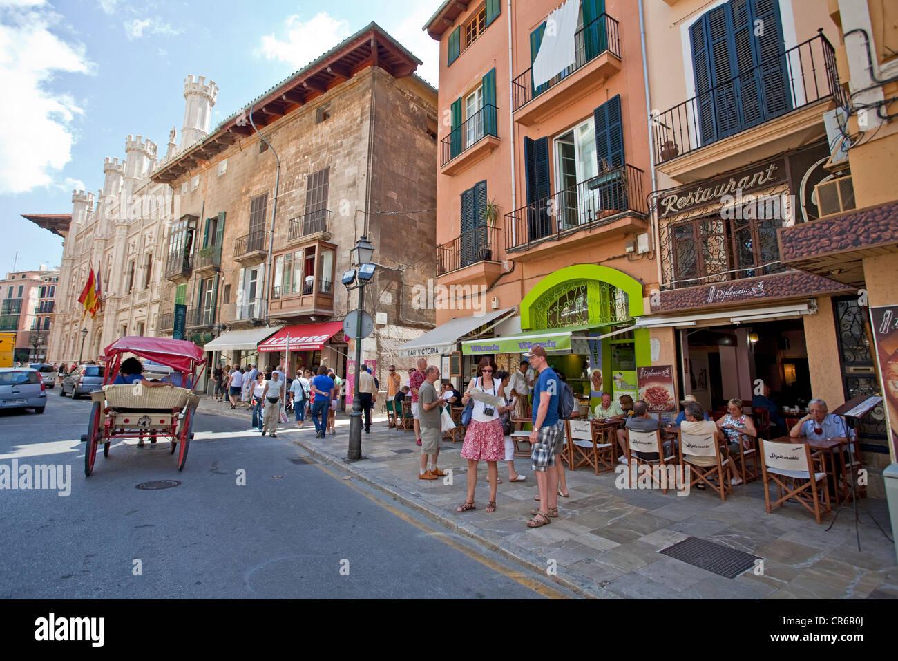Sidewalk cafe in the historic district, Palma de Mallorca, Majorca, Balearic islands, Spain, Europe - Stock Image