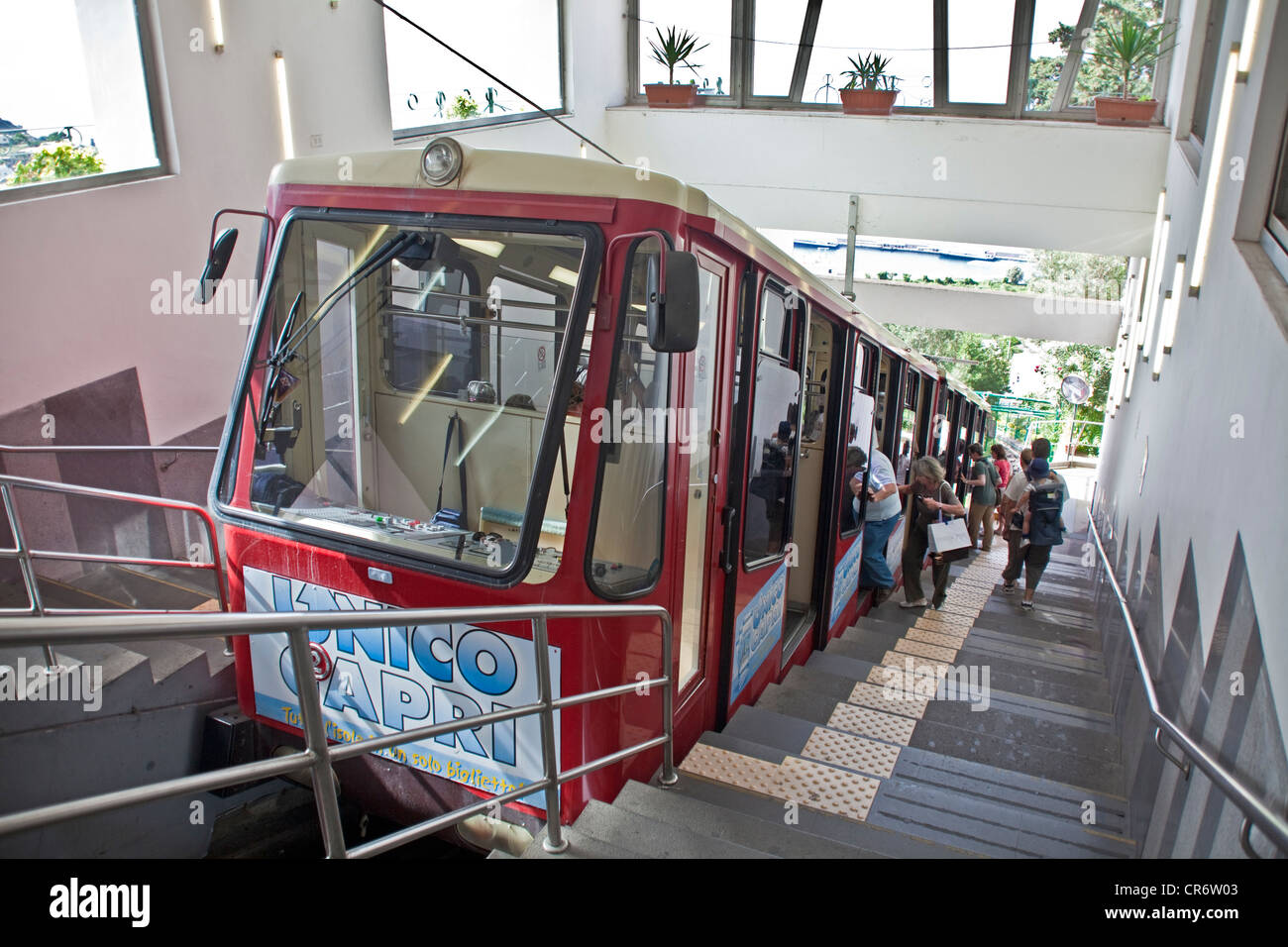 Funicolare Cable Car Connecting Marina Grande Harbour And Capri Town Cr Alamy
