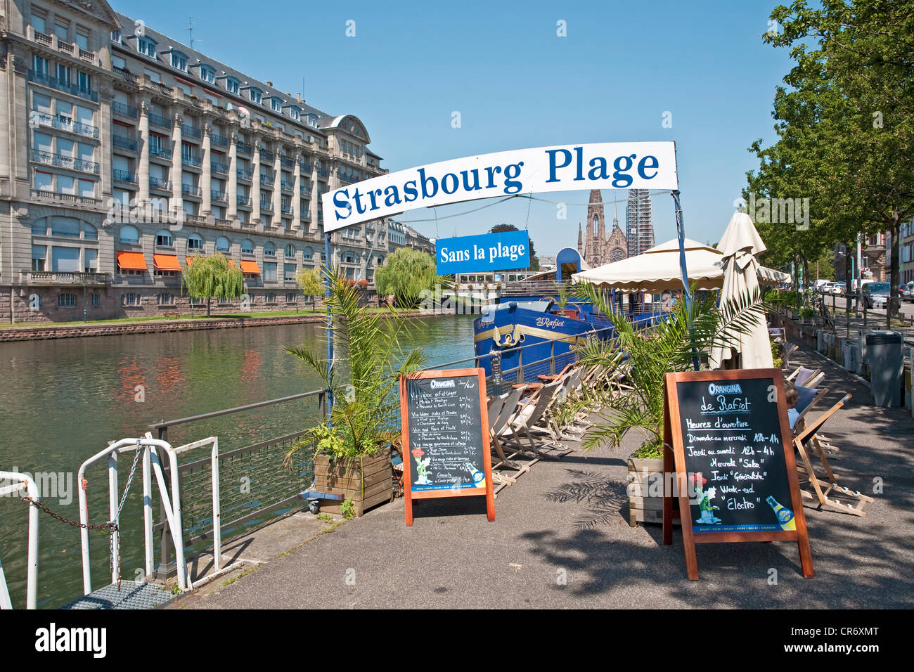 Strasbourg Plage sans la plage or Beach without beach on the banks of the Ill, Strasbourg, Alsace, France, Europe - Stock Image