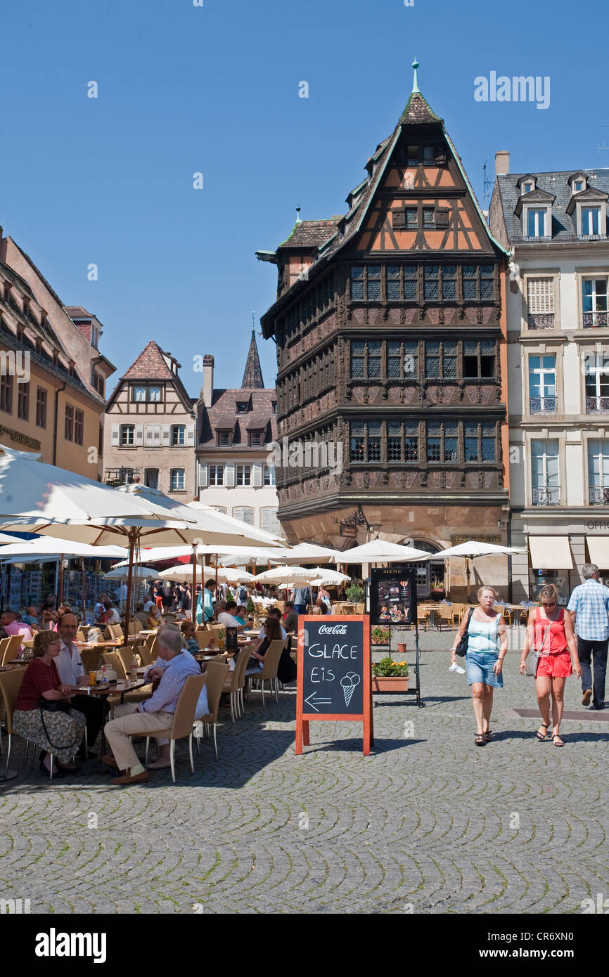 Maison Kammerzell, gourmet restaurant for Alsatian specialties at the Cathedral, framework house of the German late Stock Photo